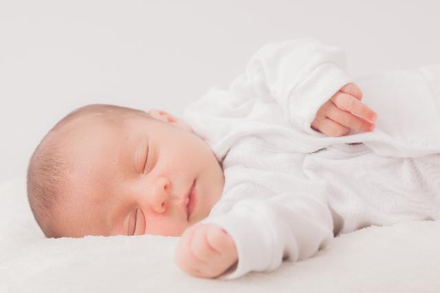 赤ちゃん、子供、寝てる、布団