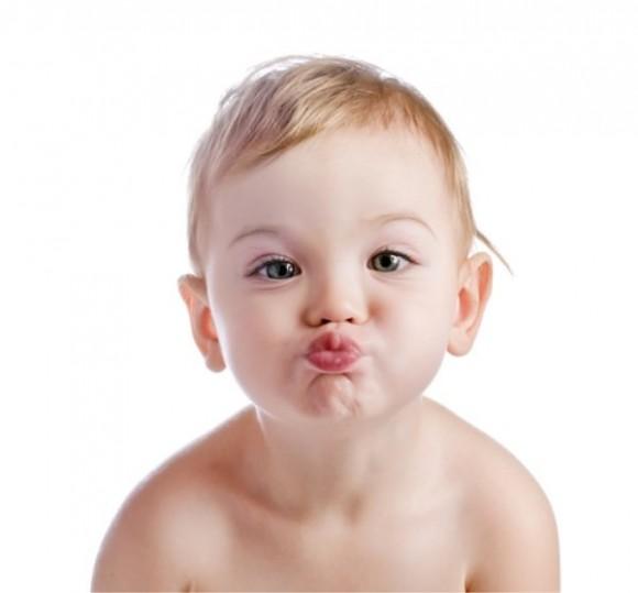 赤ちゃん、子ども、唇、口、リップクリーム