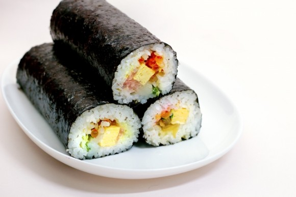節分、恵方巻き、太巻き、丸かぶり寿司