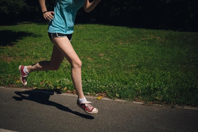 ジョギング、ランニング、トレーニング、走る