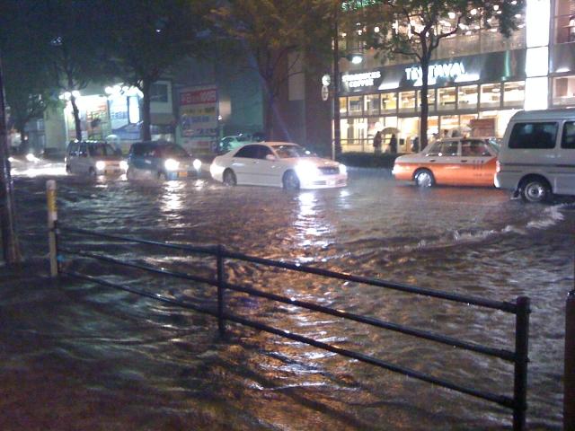 台風、冠水、道路